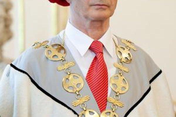 Ivana Kneppa vymenovali včera za rektora.