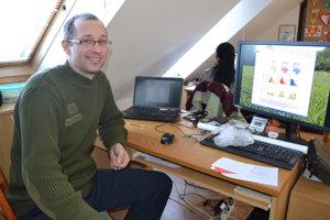 Jozef Štofík. Zaoberá sa genetickým monitorovaním medveďov v NP Poloniny.