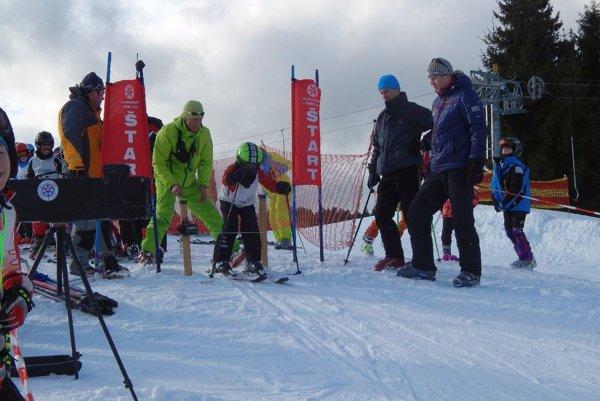Zjazdové lyžovanie. Tiež patrí do bohatého programu Športovej olympiády mesta Poprad.