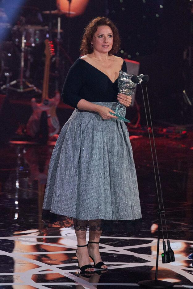 Zuzana Mauréry. Krídlo jej priniesla hlavná úloha vo filme Učiteľka.