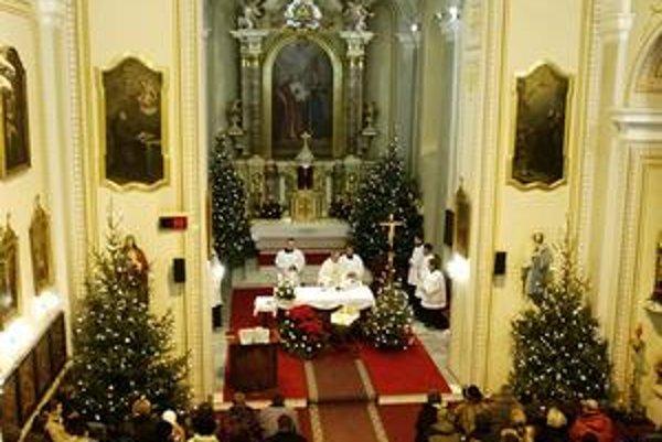 V kostoloch po celom Slovensku znela výzva biskupov na podporu jednej z univerzít.
