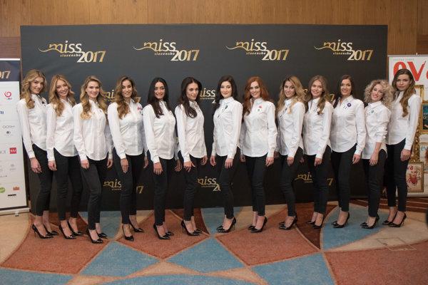 Spoločná fotografia finalistiek súťaže krásy Miss Slovensko 2017.