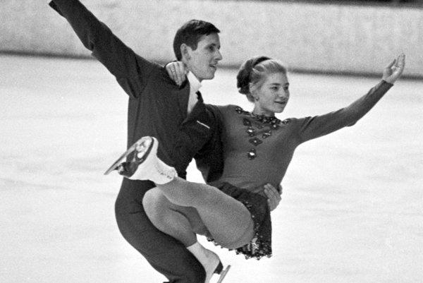 Liana Drahová na začiatku kariéry korčuľovala sPetrom Bartosiewiczom.