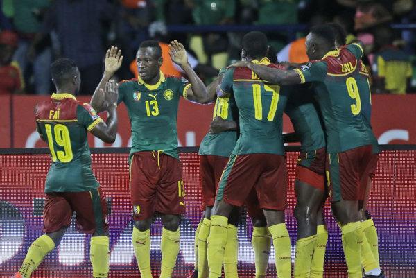 Kamerun oslavuje postup do finále Afrického pohára.