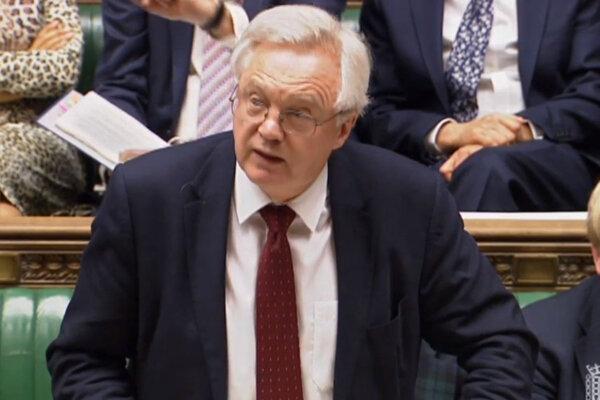 Britský minister pre brexit David Davis.