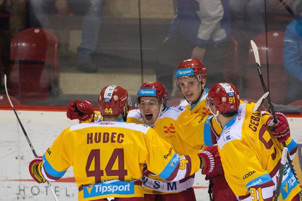 Hokejisti Dukly zabrali naplno.