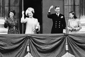 Kráľovská rodina v roku 1945.