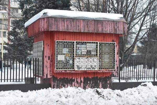 Stánok na Kapušianskej ulici je zatvorený už dlhší čas.