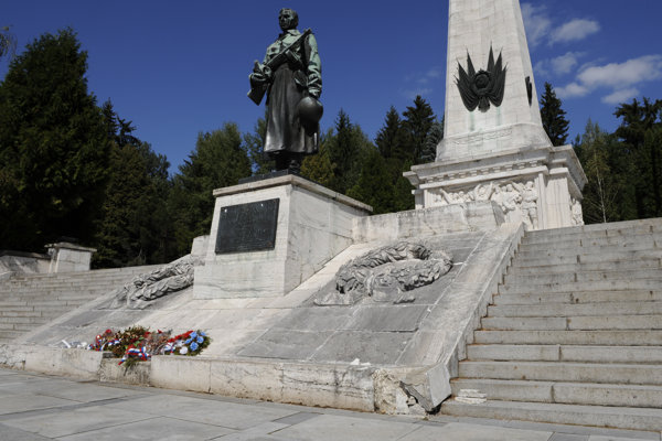 Pamätník vojakov Sovietskej armády vo Svidníku.