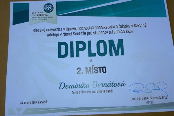 Dominika Bernátová získala diplom za druhé miesto.