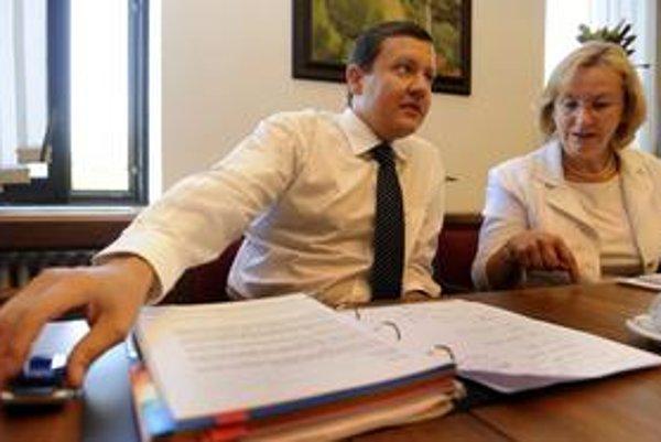 Podpredsedníčka KDH Mária Sabolová napísala list kolegom, že Daniel Lipšic by sa mal vzdať funkcie v strane.