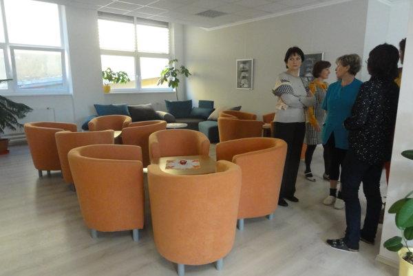 Takto vyzerá nová spoločenská miestnosť.