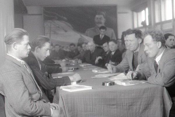 Pohľad na účastníkov konferencie v Banskej Bystrici.
