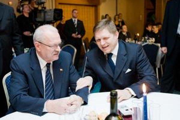 Ivan Gašparovič sa cíti ako člen Smeru aj ako nadstranícky prezident.
