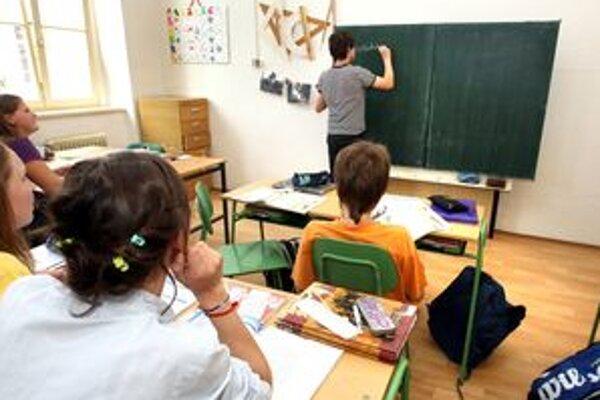 Slováci si želajú, aby v učebných osnovách bolo viac informácií o únii.