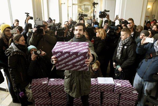 V Budapešti zbierali podpisy na vypísanie referenda proti kandidatúre mesta na organizovanie olympijských hier 2024.