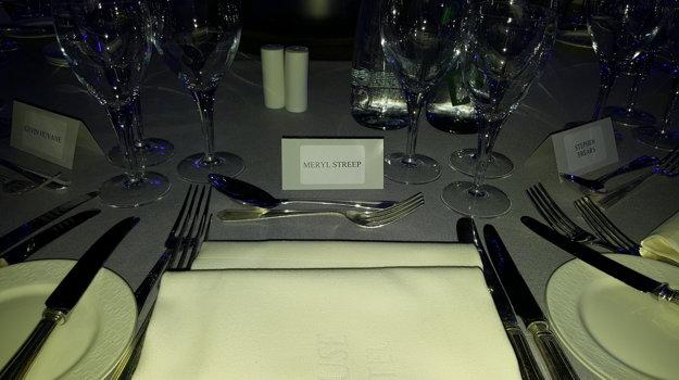 Stôl pre slávnu herečku je pripravený.