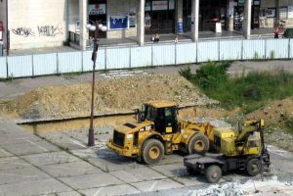 Stavba žilinského Auparku.