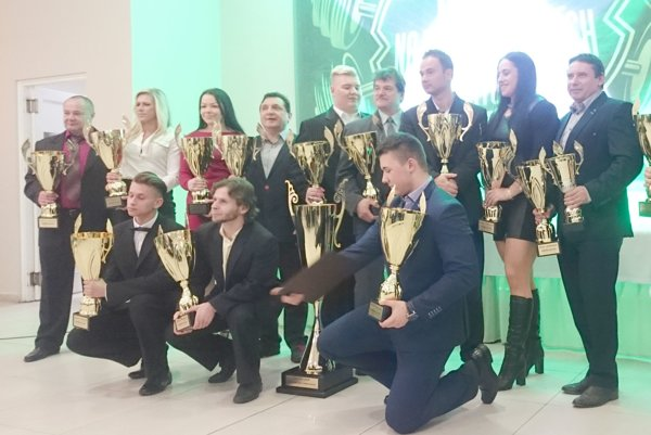 Siláci zklubu Powerlifting Liptov Beňadíková (PWL) získali titul športovec Slovenskej asociácie silového trojboja (SAST) 2016.