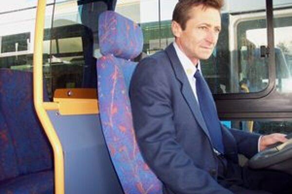 Zvýšenie cestovného neteší vodičov ani cestujúcich.