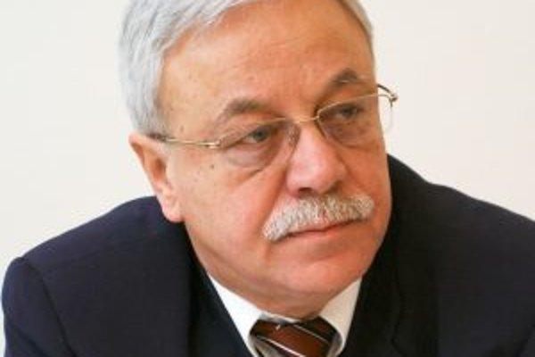 Mečiar od parlamentu žiada, aby vyzval prezidenta Ivana Gašparoviča odvolať Horvátha (na snímke) z funkcie, keďže v minulosti bol právoplatne odsúdený za krátenie daní.