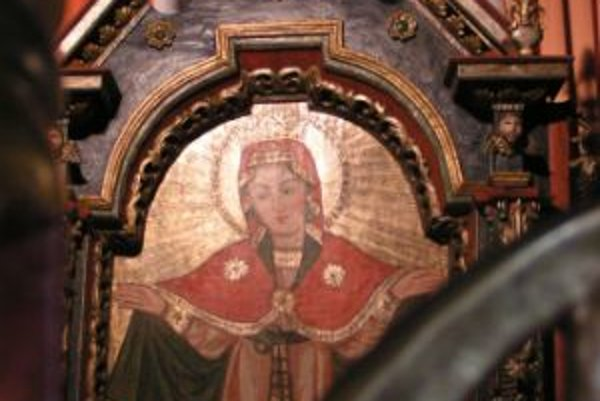 Interiér chrámu (cerkvi) sv. Michala Archanjela z roku 1742 v Ladomírovej, okres Svidník.
