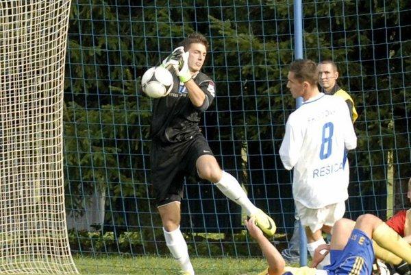 Skúsený gólman. Richard Novák začínal kariéru doma vMoldave.