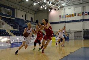 Basketbalistky Banskej Bystrice v súboji proti Popradčankám.