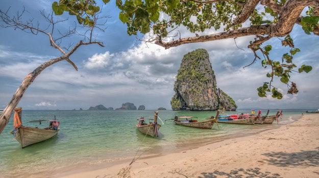 Thajsko: Pobrežie v provincii Krabi.