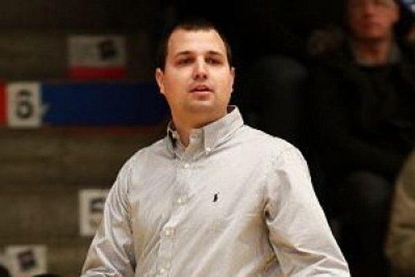 Tréner basketbalistov MBK Rieker Com-therm Komárno Richard Ďuriš.