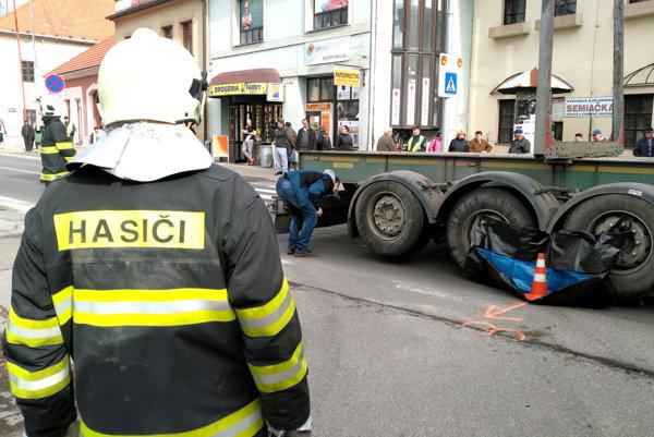 Nehoda v centre Krupiny.