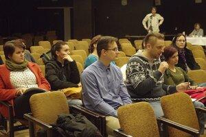 Zástupcovia rodičov prišli aj na zasadnutie zastupiteľstva.