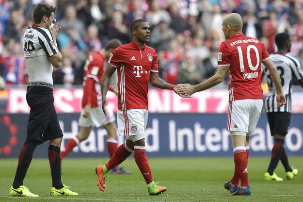 Futbalisti Bayernu Mníchov majú na čele súťaže už desaťbodový náskok.