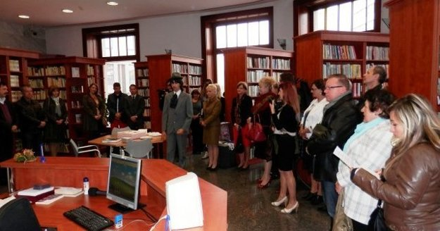 Otvorenie knižnice v Bosákovom dome v októbri 2013.