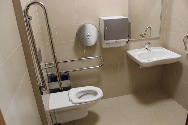Záchod pre imobilných v Poprade.
