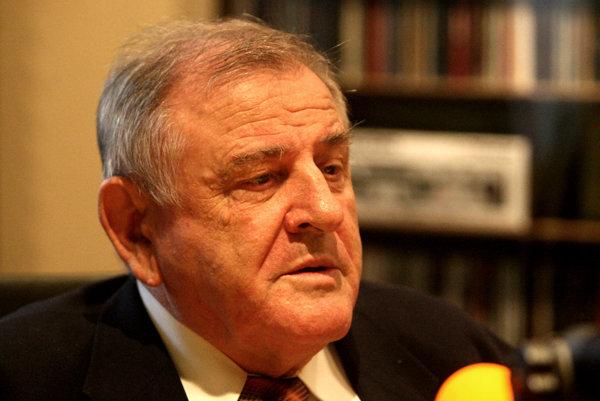 Expremiér Vladimír Mečiar udelil amnestie v marci 1998. Vzťahovali sa k zavlečeniu Michala Kováča mladšieho do cudziny.