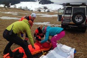 Ako prví boli na mieste členovia Horskej záchrannej služby.