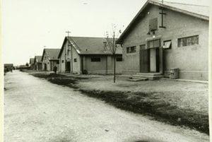 Tábor v SerediObytné baraky.