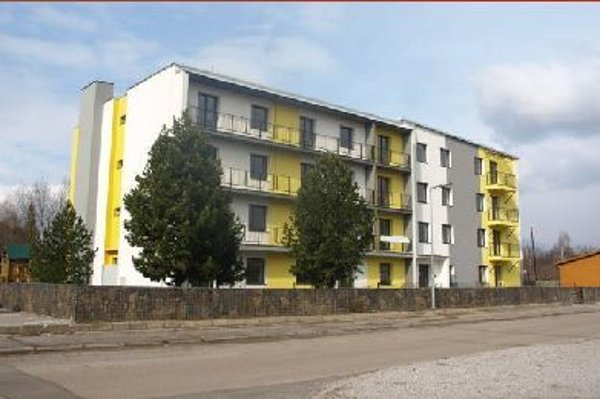 Štvorpodlažný bytový dom na Štefánikovej ulici.