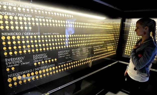 Vo Východoslovenskom múzeu v Košiciach sa nachádza takmer 3000 zlatých mincí.