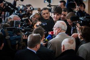 Odvolil aj prezident Gašparovič.