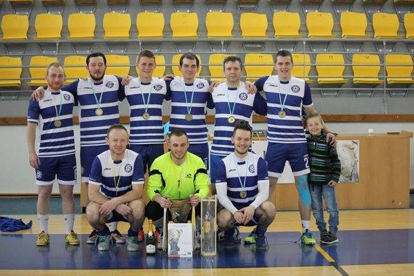 Zostava Dream Team - Vladislav Kvaska, Lukáš Kollár, Igor Tabiš, Kevin Mikita, Vladimír Kandričák, Peter Bakajsa, Tomáš Kačur, Matúš Ivan, Pavel Sopko.