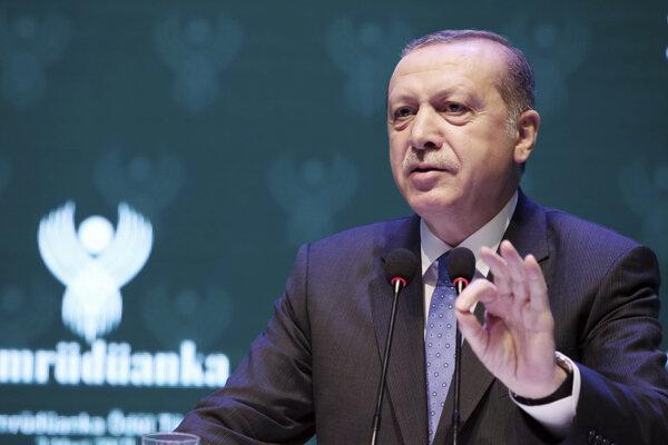Duchovného vodcu Gülena viní Erdogan z organizácie pokusu o puč.