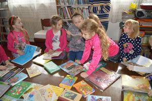 Najviac sa deťom páčili rozprávkové knihy.