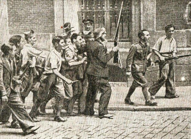 Vojaci ľudovej fronty v madridských uliciach r. 1936.