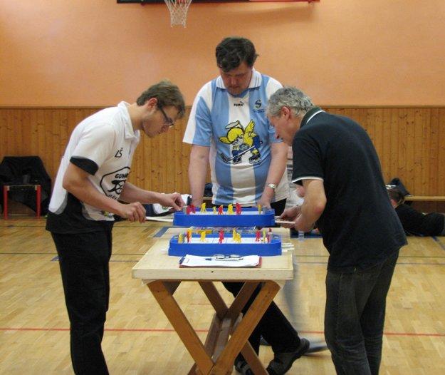 Ľuboš Kašický (vpravo) pri svojom jedinom neúspešnom zápase.