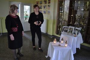 V smútku. Riaditeľka Viera Urdová (vľavo) a jej zástupkyňa Eva Lazoríková.