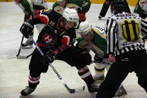 Prievidzskí hokejisti sú bez bodov na dne prvoligovej tabuľky.