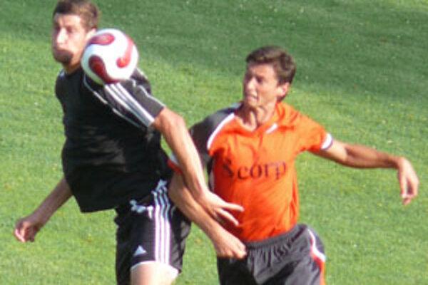 V závere zápasu mohol strhnúť vedenie na stranu Prievidze M. Pekár.