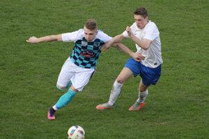 Momentka zo zápasu o Kysuce medzi Krásnom a Čadcou (v bielom).